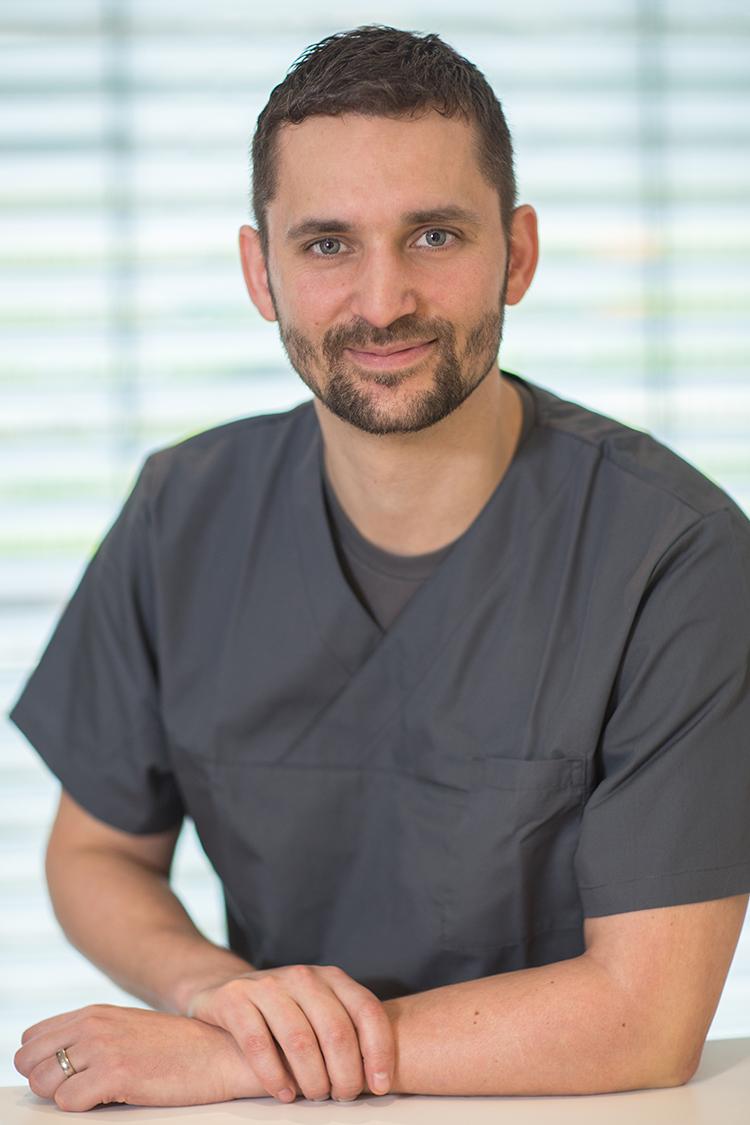 Dr. Martin Merz